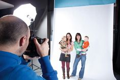 Family Portraits: 10 tips for setting up your home photo studio (Good flash stuff)