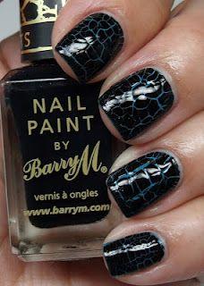 Crackle paint.. Tengo que conseguir en negro! ♥