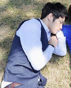 Waiting For Kim Jaejoong ~ Side Profile Beautifully Captured ❤️ JYJ Hearts