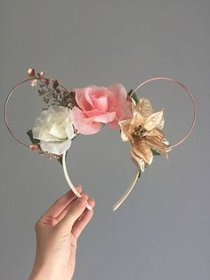Rose Gold Christmas Floral Wired Disney Ears Rose Gold Wire - New Ideas Disney Diy, Diy Disney Ears, Disney Crafts, Cute Disney, Disney Headbands, Ear Headbands, Disney Minnie Mouse Ears, Mickey Ears Diy, Rose Gold Mickey Ears