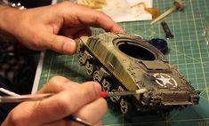 Come riprodurre gli effetti degli agenti atmosferici sui veicoli militari
