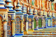 Ceramique sur la place de l'exposition universelle de Seville   Plaza di Espana in seville