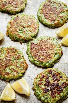 Crispy Broccoli Parmesan Fritters -- baked instead of fried -- is a great way to deliciously stash veggies for both children and adults! Parmesan Broccoli, Healthy Vegetable Recipes, Fresh Broccoli, Vegetarian Recipes, Cooking Recipes, Broccoli Ideas, Atkins Recipes, Parmesan Recipes, Healthy Foods