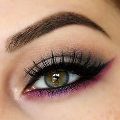 Anastasia Lavish palette, Antique with some Black Diamond on the outer corner. Lower lash line is Urban Decay Jilted from electric palette. Bobbi Brown gel liner...x