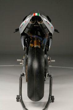 Moto Bike, Motorcycle Gear, Motorcycle Design, Bike Design, Scrambler Custom, Scooters For Sale, Classy Cars, Racing Motorcycles, Sportbikes