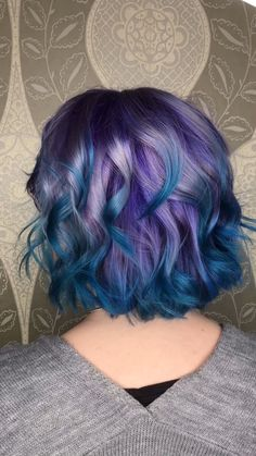 121 violet hair color ideas to look glamorous – page 1 Lavender Hair Colors, Violet Hair Colors, Vivid Hair Color, Hair Color Purple, Hair Dye Colors, Cool Hair Color, Amazing Hair Color, Crazy Colour Hair Dye, Galaxy Hair Color
