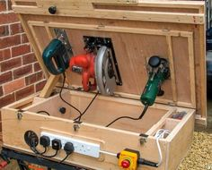 Woodworking Gadgets, Woodworking Projects Diy, Woodworking Bench, Router Projects, Man Projects, Diy Wood Projects, Diy Router Table, Tool Table, Drill Press Diy