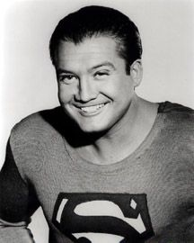George Reeves as Clark Kent on TV Series --- Superman 1952 - man who has played Superman has had personal tragedy.George - the first Superman- committed suicide. Movies And Series, Tv Series, George Reeves, Steve Reeves, Adventures Of Superman, The Lone Ranger, Actrices Hollywood, Old Shows, Clark Kent