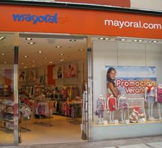Mayoral: Moda infantil.  Local: L0-89. Teléfono: 968 463 739 http://www.mayoral.com