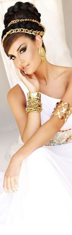 MORE on http://www.pinterest.com/alexmaria27/~-white-and-gold-~/