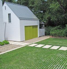 Garageneinfahrt modern  Wie kann man eine grüne Einfahrt pflastern | Garten | Pinterest ...