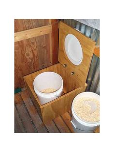Reader Roundup: DIY Composting Toilets - Green Homes - MOTHER EARTH NEWS