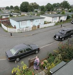 Britain's last prefab estate residents battle to save homes built 10 years ago Uk History, London History, British History, Prefab Homes Uk, Prefabricated Houses, Vintage London, Old London, Daddy Come Home, Normandy Beach