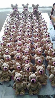 Standing Bear: FREE crochet pattern by Patricia Stassart