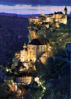rocamadour, gorgeous cliff-side city in the south of France