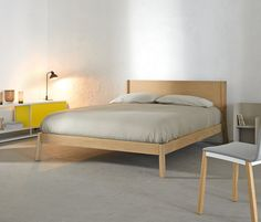 Double beds | Beds and bedroom furniture | Breda Bed | Punt. Check it out on Architonic