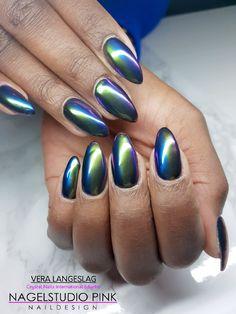 Beetle Nails! #nagelstudiopink #veralangeslag #nails #arnhem #sparkle #nailart #glitter #crystalnails