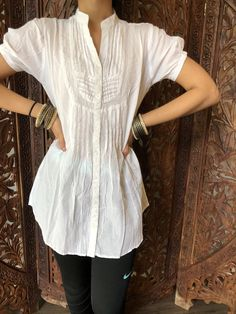 Cotton Tunic Tops, Cotton Blouses, Formal Shirts, Casual Shirts, Look Formal, Bohemian Blouses, White Tunic, Tunic Shirt, Embroidered Blouse