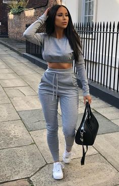 Grey Crop Jumper Loungewear Set – Deanna Lounge in style in our grey crop jumper loungewear set featuring cropped hoodie and long legged pants. Style with some cool, chunky trainers and you're good to go! Chill Outfits, Cute Comfy Outfits, Sporty Outfits, Swag Outfits, Classy Outfits, Trendy Outfits, Summer Outfits, Fashion Outfits, Trendy Fashion