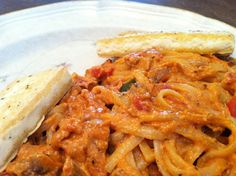 Veggie Nerd: Vegan Alfredo & Tomato Pasta w/ Tofu