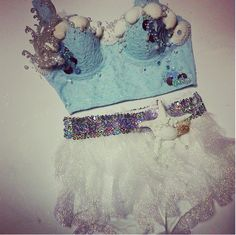 idea for an elsa inspired edc outfit more cute rave outfits edc rave . Rave Festival, Festival Wear, Festival Fashion, Edm Outfits, Rave Bra, Mermaid Outfit, Mermaid Bra, Rave Ready, Rave Music