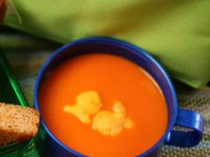 Kid-Approved Lunches: 10-Minute Tomato Soup #BackToSchool