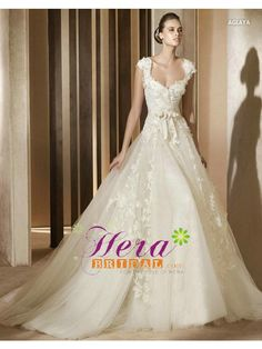 Tulle & lace wedding dress