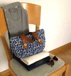 Striped with leather handles - crochet bag - Angelines Moreno #tshirt_yarn #trapillo #fettuccia