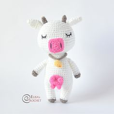 The cutest Crochet Cow around! Meet Bella and find the crochet pattern in my Etsy page! Crochet Cow, Crochet Gratis, Crochet Patterns Amigurumi, Cute Crochet, Amigurumi Doll, Half Double Crochet, Single Crochet, Beauty And Fashion, Yarn Tail
