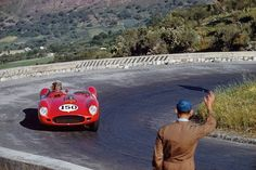 Jean Behra in one of the three factory 250 TR that Ferrari took to the 1959 Targa Florio. Old Sports Cars, Old Race Cars, Sports Car Racing, Road Racing, Auto Racing, Le Mans, Vintage Race Car, Vintage Auto, Ferrari Racing