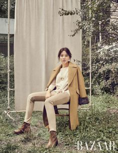 On November 'Harper's Bazaar' revealed a photo shoot with actress Lee Bo Young as its model!The beautiful star exuded beauty and… Lee Bo Young, Korean Outfits, Harpers Bazaar, Stylish Girl, Singer, Photoshoot, Actresses, Style Inspiration, Elegant