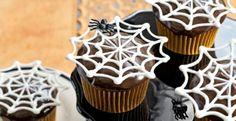 Десерт Хэллоуин, кексы с паутиной