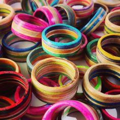 Custom Recycled Skateboard Wood Ring von SkateBetty auf Etsy, $20.00