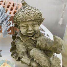 Elfe Acorn, Gartenfigur von Fiona Jane Scott bei www.duftoase.ch - Cleopatra's Duft-Oase