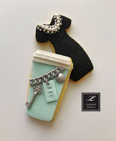 Breakfast at Tiffany's cookies decorated with Satin Ice Fondant Fondant Cookies, No Bake Cookies, Cupcake Cookies, Baking Cookies, Cupcakes, Cookie Frosting, Egg Recipes For Breakfast, Breakfast Pancakes, Breakfast Cookies