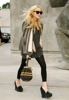 love the outfit, love the olsen!