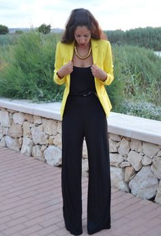 love this outfit the yellow blazer really sets the outfit off