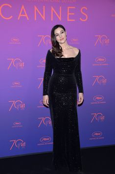 Monica Bellucci Photos Photos - Mistress of Ceremonies Monica Bellucci attends the Opening Gala dinner during the 70th annual Cannes Film Festival at Palais des Festivals on May 17, 2017 in Cannes, France. - Opening Gala Dinner Arrivals - The 70th Annual Cannes Film Festival