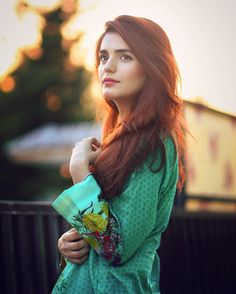 Momina Mustehsan - Engineer Mathematician & Singer from Pakistan