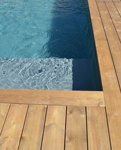Slowgarden pool / Via Lejardindeclaire Swiming Pool, Swimming, Pool Coping, Travertine Tile, Small Pools, Deck With Pergola, Pool Decks, Pool Designs, Jacuzzi