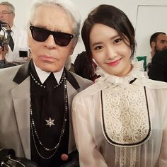 150504 SNSD Yoona with Karl Lagerfeld at Chanel Cruise in Seoul Chanel Fashion Show, Fashion Brand, South Korean Girls, Korean Girl Groups, Foreign Celebrities, Snsd Fashion, Wordpress, Yoona Snsd, Toni Braxton