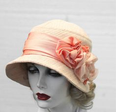 Hat 1920s Cloche Flapper Vintage Style in Pale Peach for Weddings