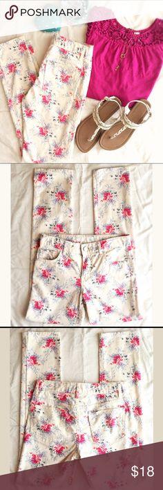 Gap Kids Super Skinny Jeans Size 12 Regular. Gap Kids Super Skinny Jeans Size 12 Regular. Floral print. Blue, grey, lilac, pink, and cream colors. Adjustable waist. 98% cotton, 2% spandex. GAP Bottoms Jeans