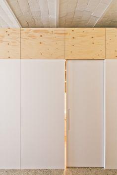 Carles Enrich plywood box