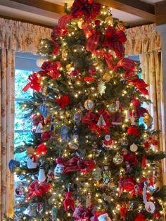 the silver pen blog.  beautiful christmas tree.
