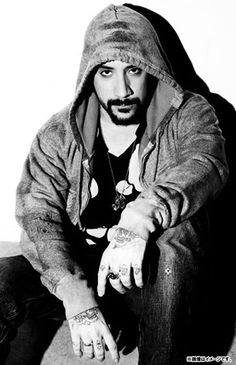 i have a strong obsession with AJ McLean from backstreet boys hes sooo beautiful to me !!