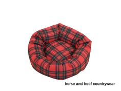 Danish Design Royal Stewart Tartan Cushion Dog Bed The Royal Stewart Tartan range brings a touch of country living to the home The traditional