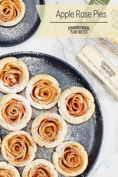 Kid Desserts, Vegan Dessert Recipes, Fall Desserts, Breakfast Recipes, Cooking Recipes, Apple Rose Pie, British Baking Show Recipes, Apple Snacks, Desert Ideas