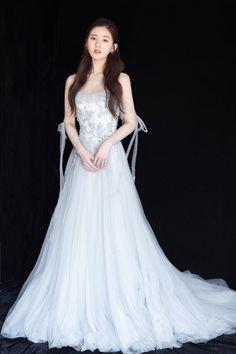 Beautiful Chinese Girl, Beautiful Girl Image, Pretty Quinceanera Dresses, Prom Dresses, Formal Dresses, Korean Girl Fashion, Cute Asian Girls, Ulzzang Girl, Stylish Girl