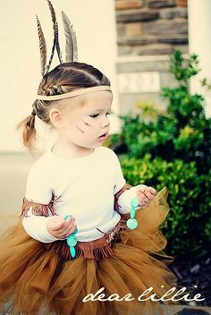 I think Amy will be a Native American for Halloween! Indian tutu for halloween.cutest halloween costume I've seen in a while! Costumes Avec Tutu, Halloween Tutu Costumes, Costume Carnaval, Theme Halloween, Cute Costumes, Holidays Halloween, Halloween Kids, Homemade Halloween, Costume Ideas